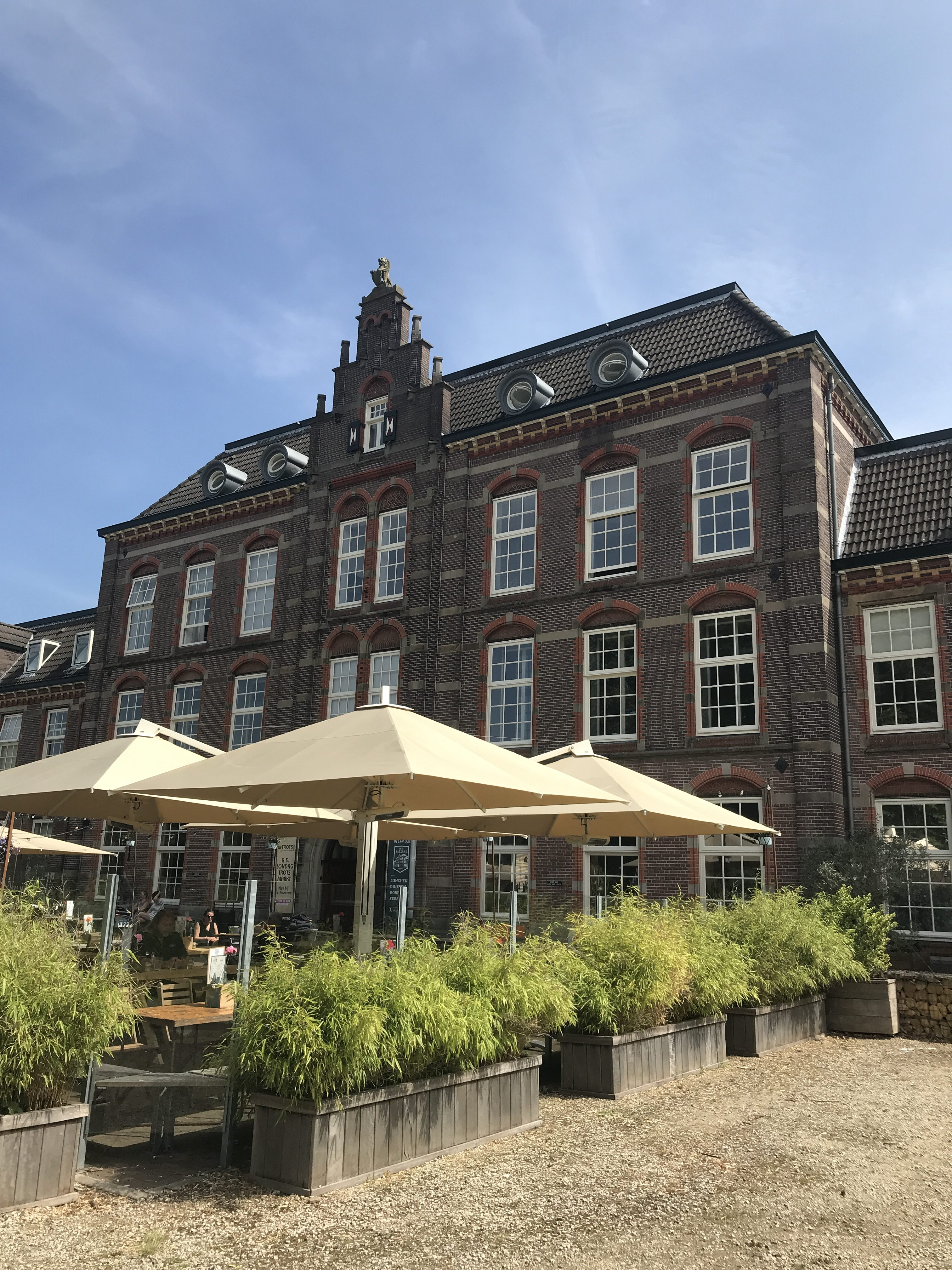 Maiden Magazine in de kazerne hotspot Nijmegen voorkant limos terras